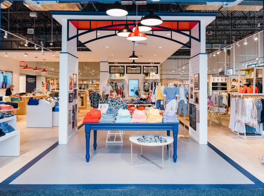 The American retailer offers casual clothes, luggage and decor. (Courtesy Lands' End)
