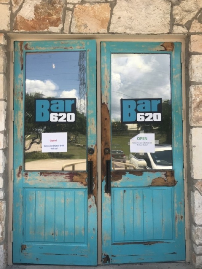 Bar 620 opened May 22 in the Lakeway area. (Amy Rae Dadamo/Community Impact Newspaper)