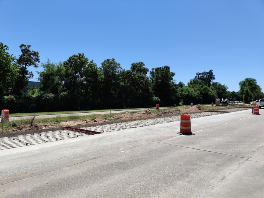 Area road work includes widening Lake Woodlands Drive. (Ben Thompson/Community Impact Newspaper)