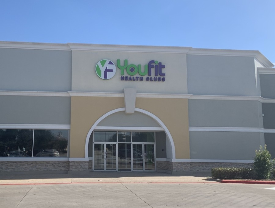 YouFit Health Clubs has emptied its location of equipment in Flower Mound and has not yet reopened after closing due to the COVID-19 pandemic. (Brian Pardue/Community Impact Newspaper)
