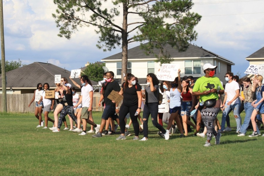 About 2,000 people marched at the Katy for Black Lives Matter Protest held June 4 at Katy Park. (Jen Para/Community Impact Newspaper)