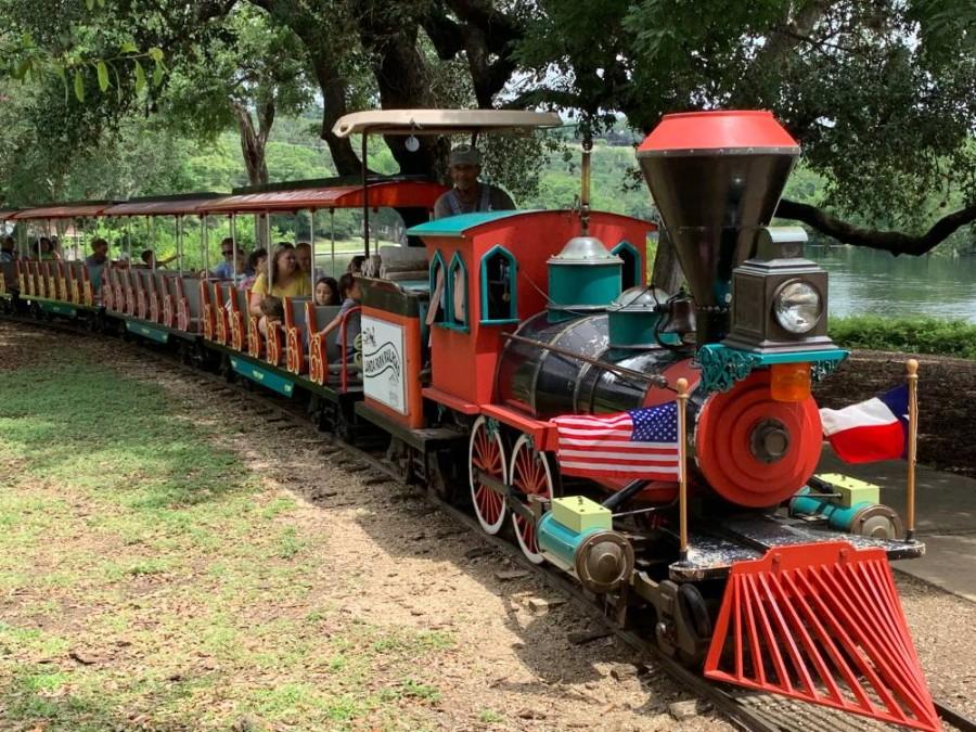The train through Landa Park was reopened on June 1. (Ian Pribanic/Community Impact Newspaper)