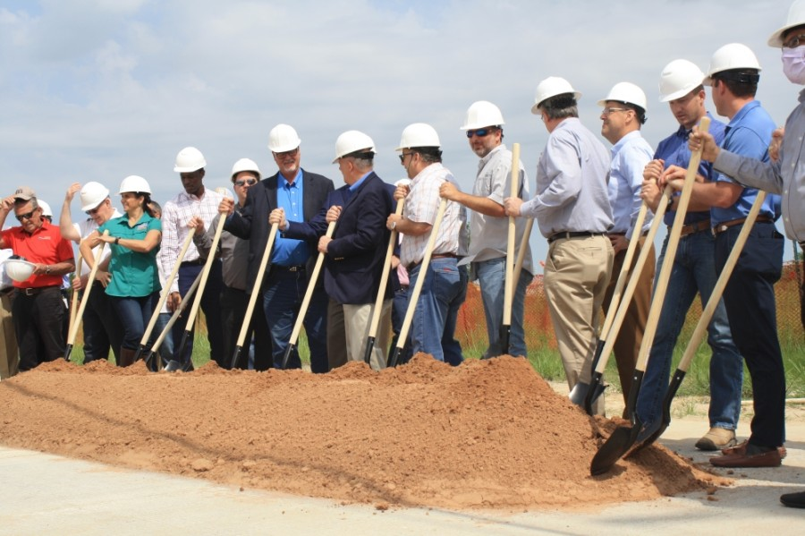 The engineering and contractors involved with the Texas Heritage Parkway project participated in the groundbreaking event June 10. (Jen Para/Community Impact Newspaper)