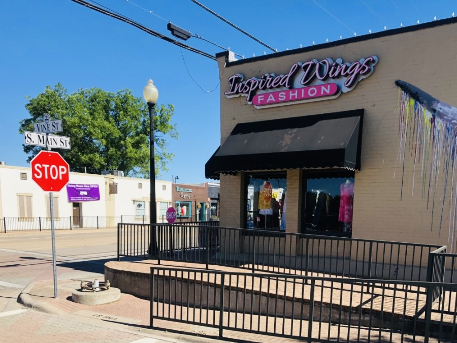 Clothing boutique Inspired Wings Fashion held a grand opening May 30 in Old Town Keller. (Ian Pribanic/Community Impact Newspaper)