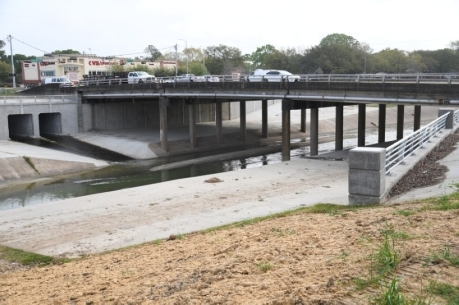 A bridge project at Hillcroft Avenue originally slated to begin Jun 24, is now delayed until July. (Hunter Marrow/Community Impact Newspaper)