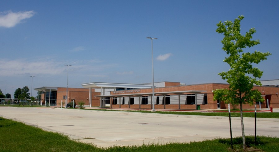 Matzke Elementary School's parking lot sits empty as Cy-Fair ISD facilities are closed to students and most staff members. (Danica Lloyd/Community Impact Newspaper)