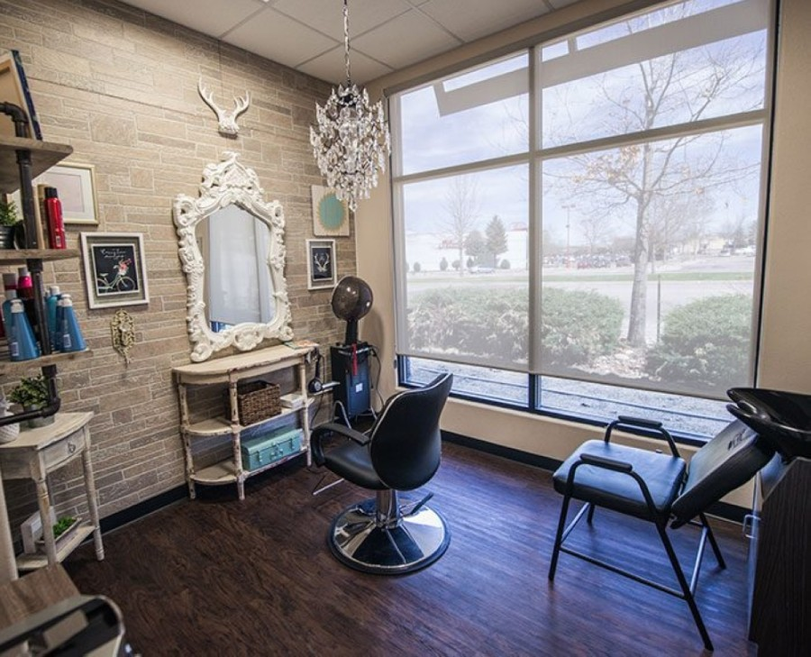 The location offers space for small business owners to operate their salons. (Courtesy Phenix Salon Suites)
