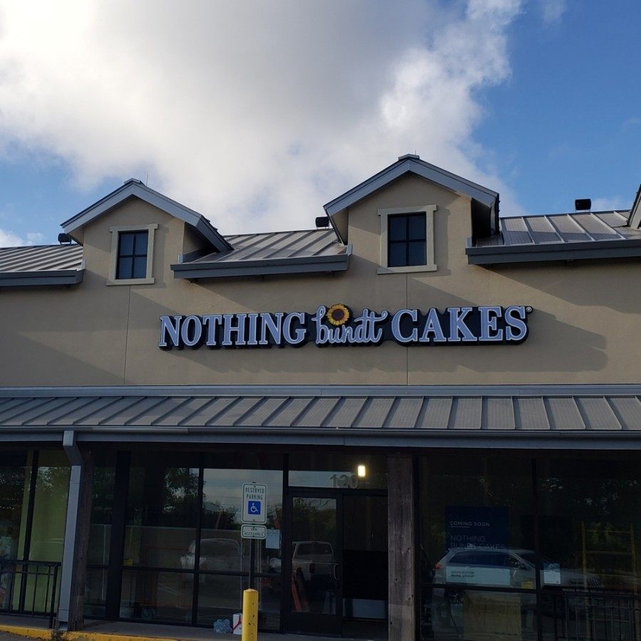 Nothing Bundt Cakes opened its Georgetown location Aug. 14. (Ali Linan/Community Impact Newspaper)