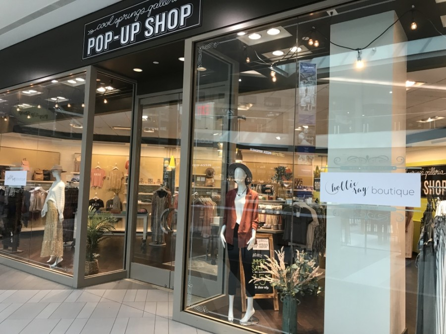 Hollie Ray Boutique has opened a pop-up shop in the CoolSprings Galleria. (Wendy Sturges/Community Impact Newspaper)