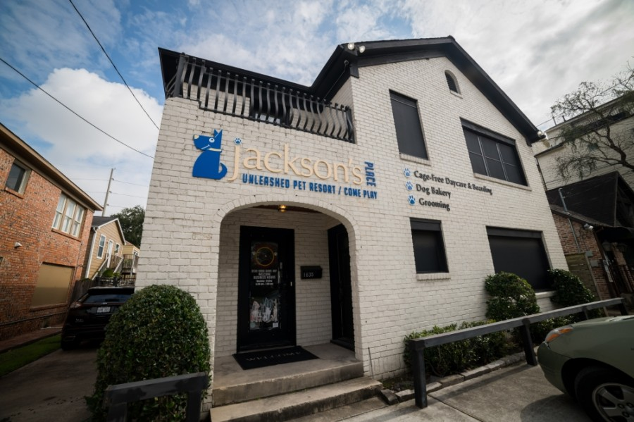 Jackson's Place, which marked 16 years in business in August, had to close its Montrose-River Oaks location because of the COVID-19 slowdown. Its Midtown location remains open.  (Nathan Colbert/Community Impact Newspaper)