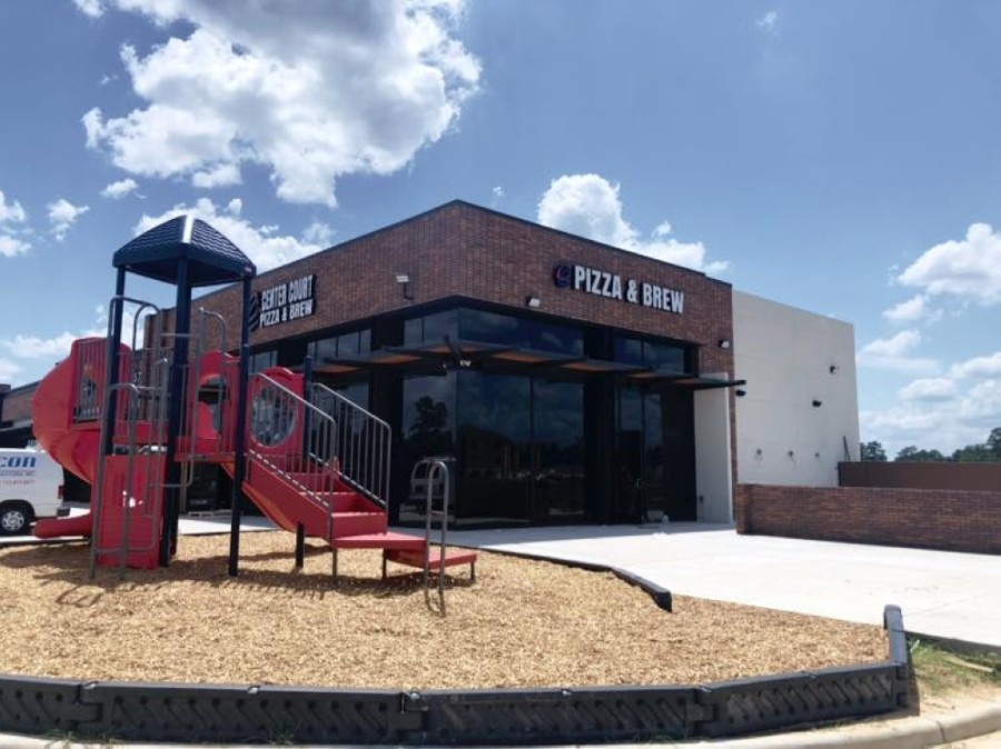 The new location will feature a full bar with craft beer and and outdoor playground. (Courtesy Center Court Pizza & Brews)