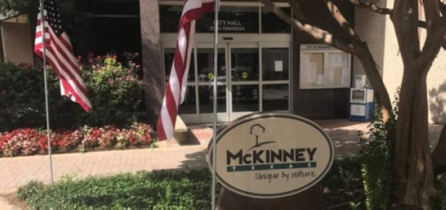 The city of McKinney is in negotiations to obtain land for a public parking lot on the east side of Hwy. 5. (Cassidy Ritter/Community Impact Newspaper)