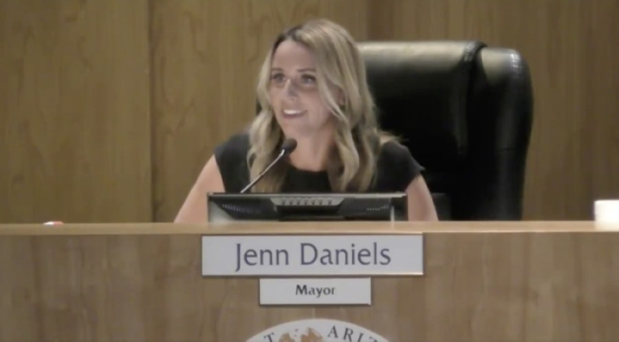 Gilbert Mayor Jenn Daniels announces her resignation as mayor at the Aug. 11 council meeting. (Screen capture from YouTube)