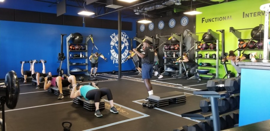 The business offers half-hour functional interval training classes as well as personal training. (Courtesy Outlaw FitCamp Plano)