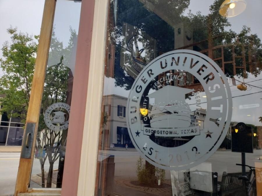 Burger University on the Georgetown Square closed Sept. 4. (Ali Linan/Community Impact Newspaper)