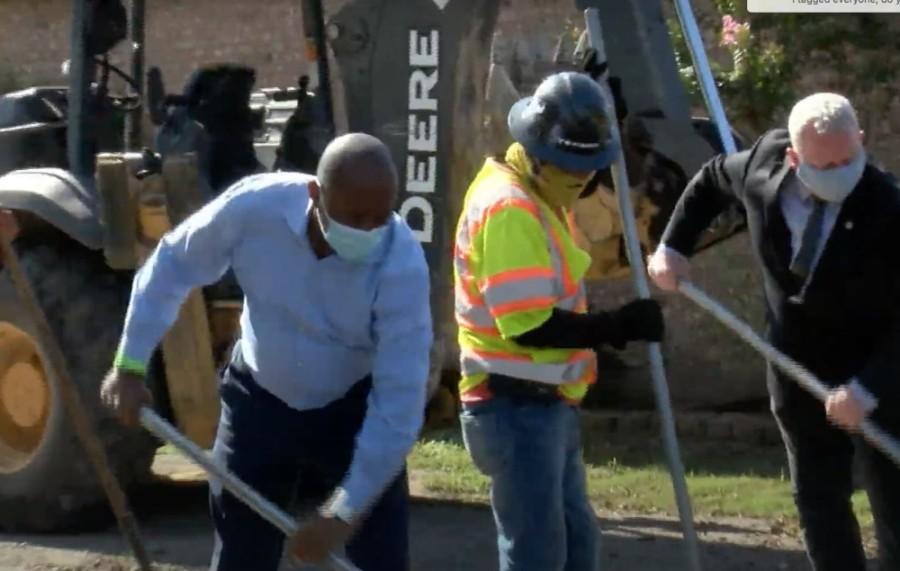 Mayor Sylvester Turner announced his new street rehabilitation initiative Sept. 15. (Courtesy HTV)