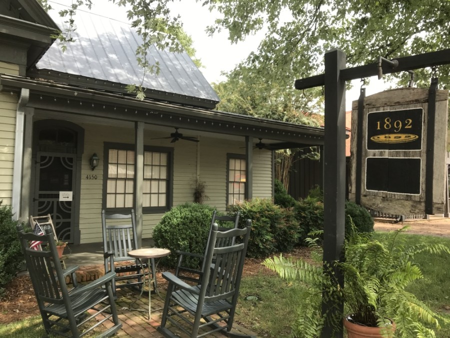 1892 in Leiper's Fork is named for the year the house in which it operates was built. The historic home sits on Old Hillsboro Road, right in the middle of the small community.  (Wendy Sturges/Community Impact Newspaper)