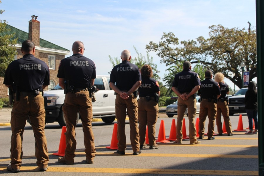 Law enforcement lines the streets to pay their respects. (Eva Vigh/Community Impact Newspaper)