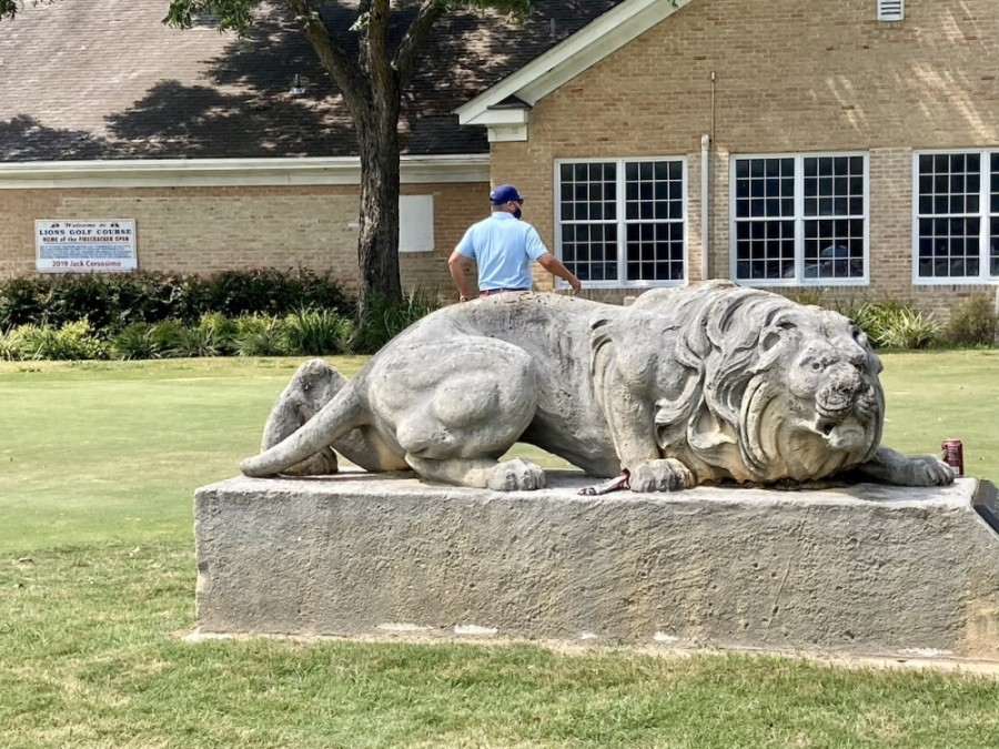 Lions Municipal Golf Course clubhouse (Christopher Neely/Community Impact Newspaper)