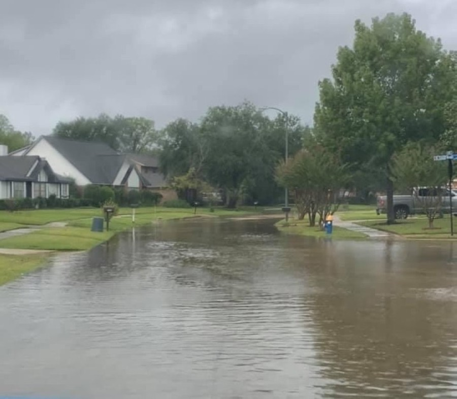High water was seen around the Pearland and Friendswood area Tuesday. (Courtesy Stephanie Rodgers Waddell)