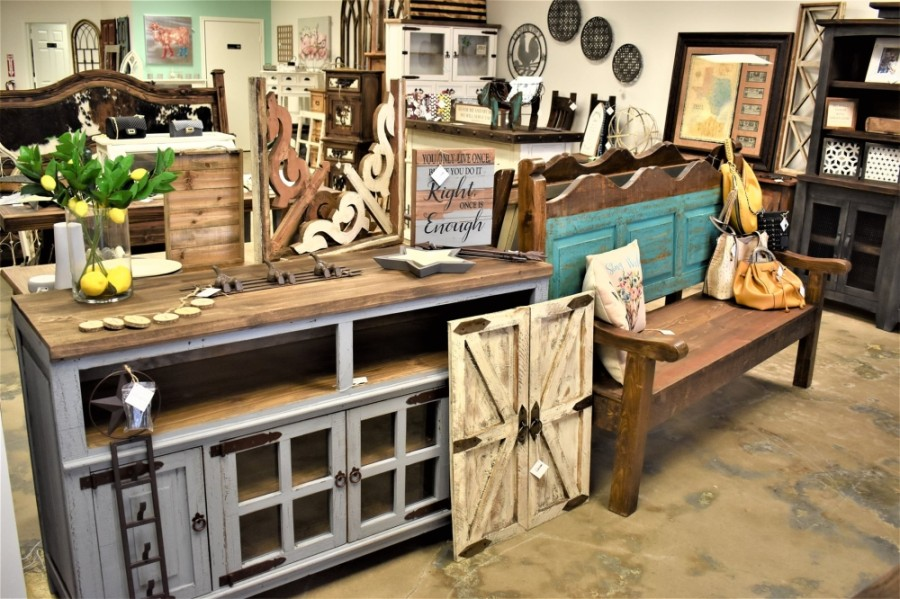 The family-owned boutique specializes in 100% wood-crafted furniture, featuring reclaimed wood, pine, elm and mango varieties. (Courtesy The Rustic Boutique)