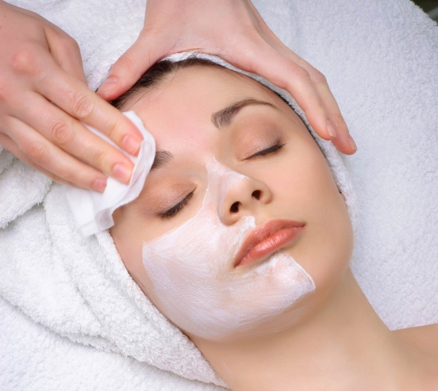 The medspa offers a variety of medical treatments and traditional spa services including facials, microdermabrasion, microneedling, laser hair removal, waxing, threading and eyelash extensions, among others. (Courtesy Derma Nova MedSpa)