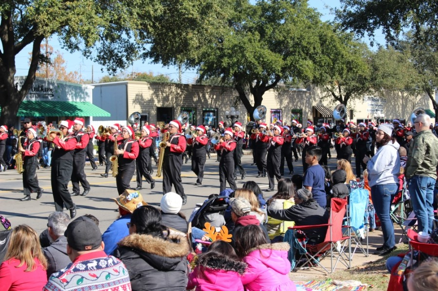 A formal decision on whether to hold the annual Tomball Holiday Parade was still unknown as of Sept. 29, chamber officials said. The November 2019 event is pictured. (Anna Lotz/Community Impact Newspaper)