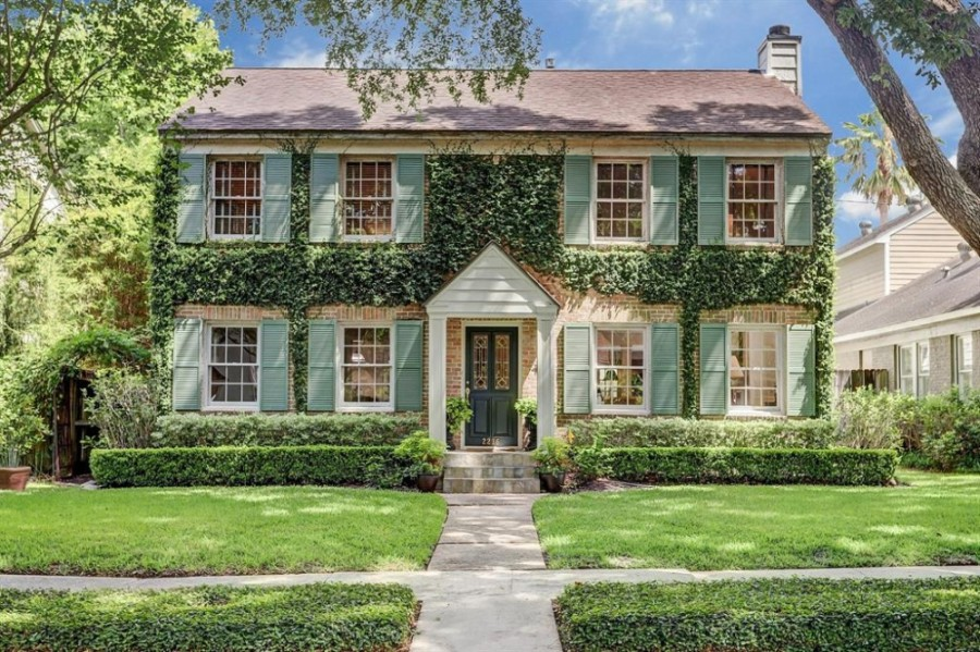 2216 Quenby St., Houston: This home, whose price was reduced to sell quickly, was built in 1938 and boasts three bedrooms, one full and half bathrooms at 2,273 total square feet, and is situated minutes away from Rice University, Rice Village restaurants and shopping, Upper Kirby, downtown, Galleria, Greenway Plaza and the Museum District. It sold for $717,001-$827,000 on Sept. 4. (Courtesy Houston Association of Realtors)