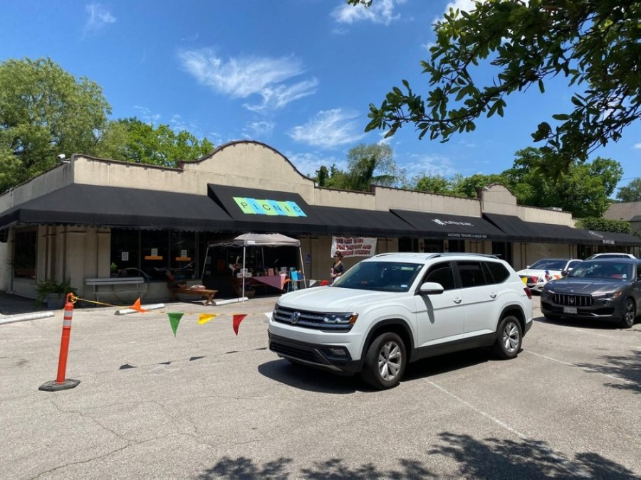 Picnic continues to operate a double drive-thru at its location at 1928 Bissonnet St. (Courtesy Picnic)