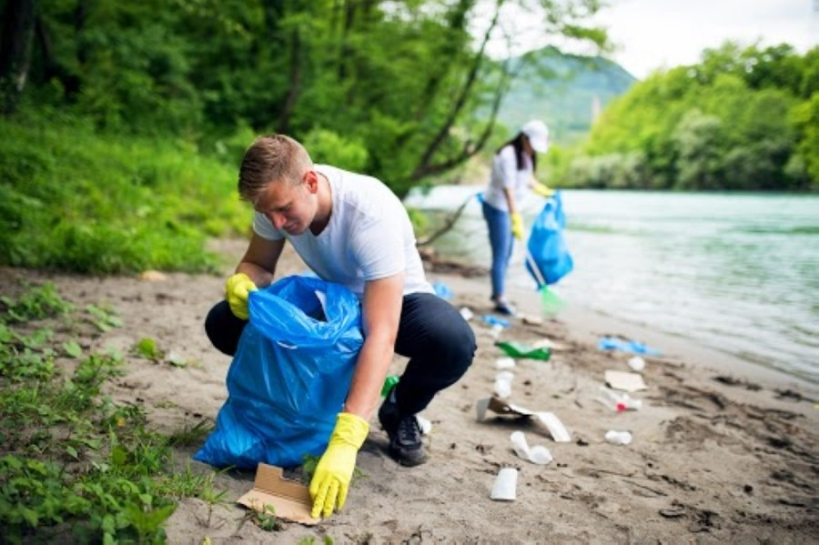 Volunteers can participate in the cleanup event throughout October. (Courtesy Adobe Stock)