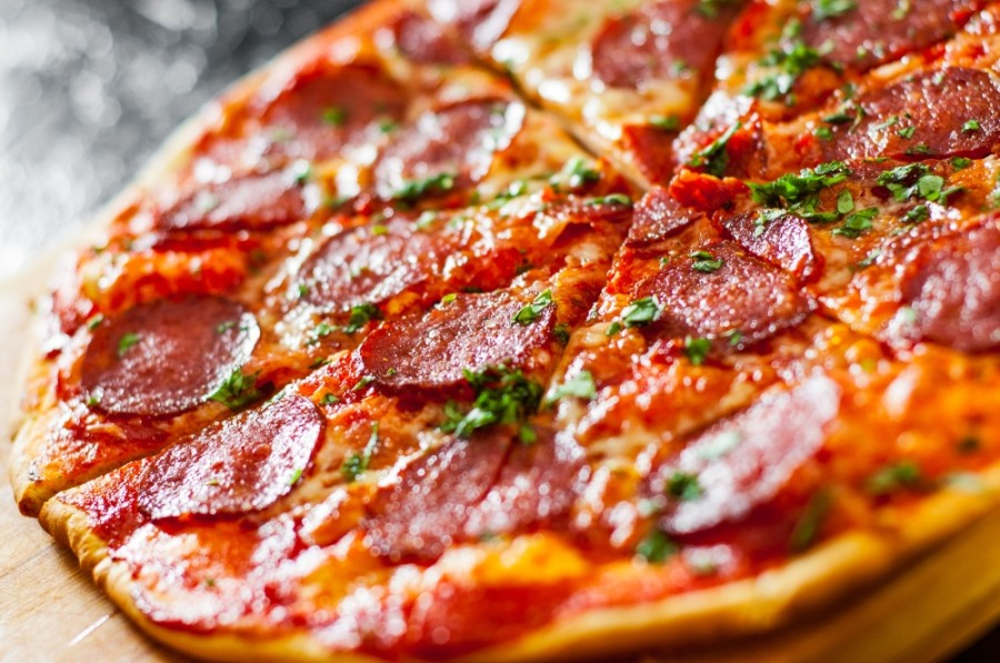D'Ambrosio's pizza pub will offer customers a friendly environment to enjoy a more contemporary style of Chicago deep dish pizza. (Courtesy Adobe Stock)