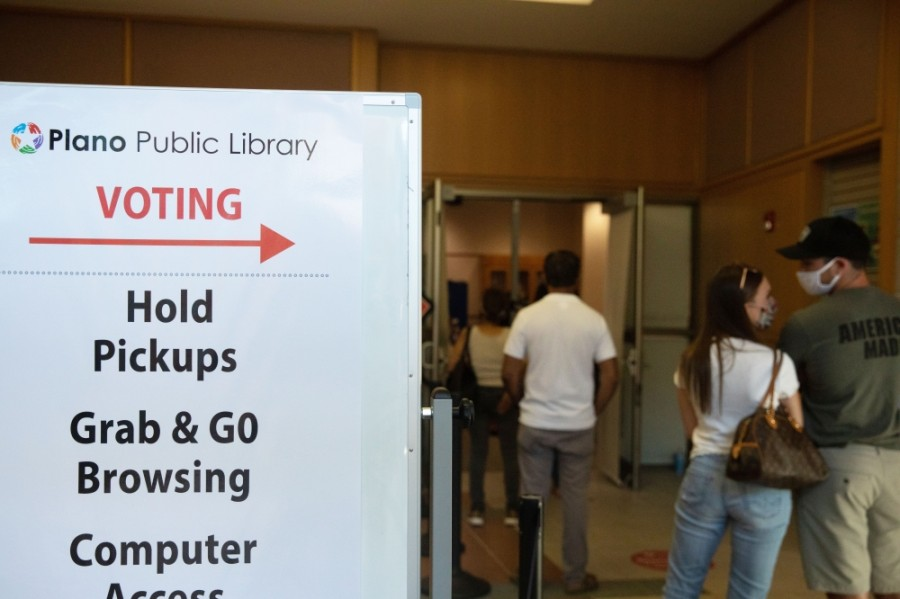 Wait times were around 30 minutes at Plano's Davis Library following the first wave of voters in the morning of Oct. 13. (Liesbeth Powers/Community Impact Newspaper)