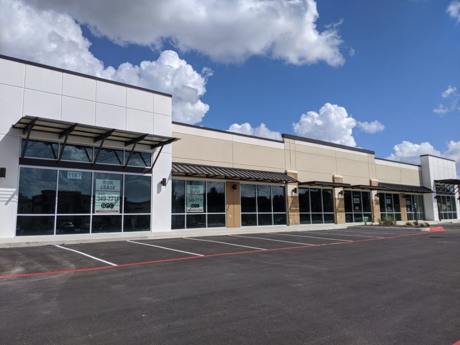 The new shopping center is now available for lease. (Lauren Canterberry/Community Impact Newspaper)