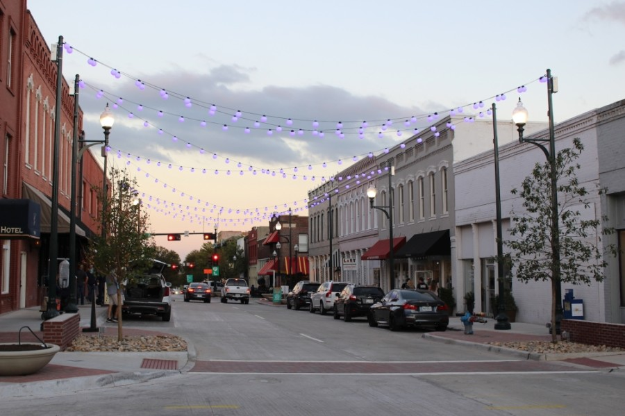 New lighting has been added to Louisiana Street in downtown McKinney between Kentucky and Church streets. (Miranda Jaimes/Community Impact Newspaper)