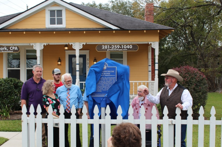 Descendants of the Dean family unveil the marker with resident historian Celeste Graves, second from right, and Montgomery County Precinct 2 Commissioner Charlie Riley, right. (Anna Lotz/Community Impact Newspaper)