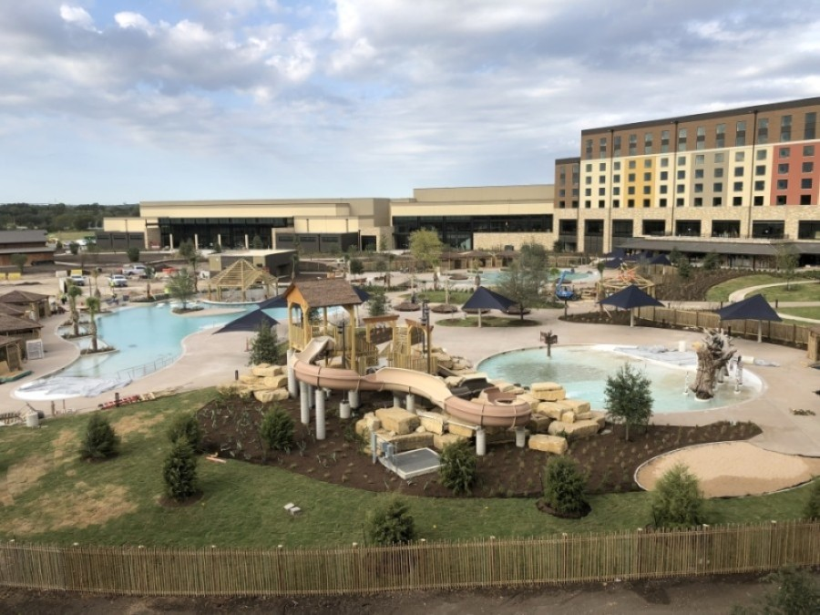 The outdoor portion of Kalahari's water park features slides, a lazy river and a swim-up bar, among other amenities. (Courtesy Kalahari Resorts & Conventions)