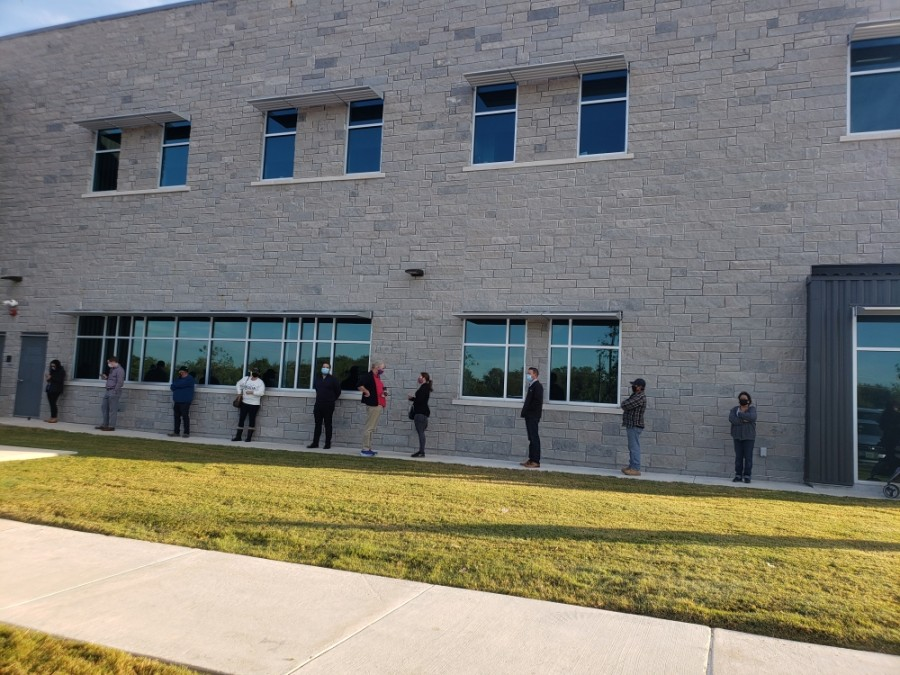 Voters lined up outside the Wilco Annex on Nov. 3. (Ali Linan/Community Impact Newspaper)