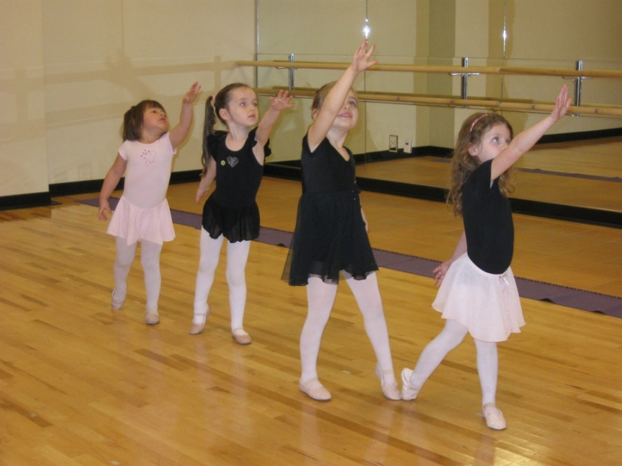 Ballet is one of the activities the West U Recreation Center has returned to in person. (Courtesy West U Recreation Center)