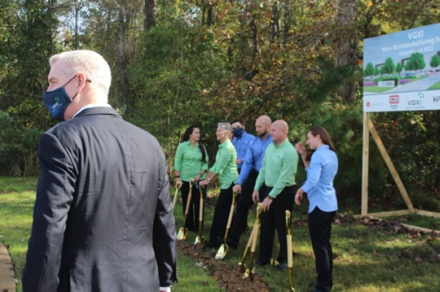 Officials from VGXI, the city of Conroe, BE&K Building Group and other groups gathered Nov. 10 for the groundbreaking at Deison Technology Park. (Eva Vigh/Community Impact Newspaper)