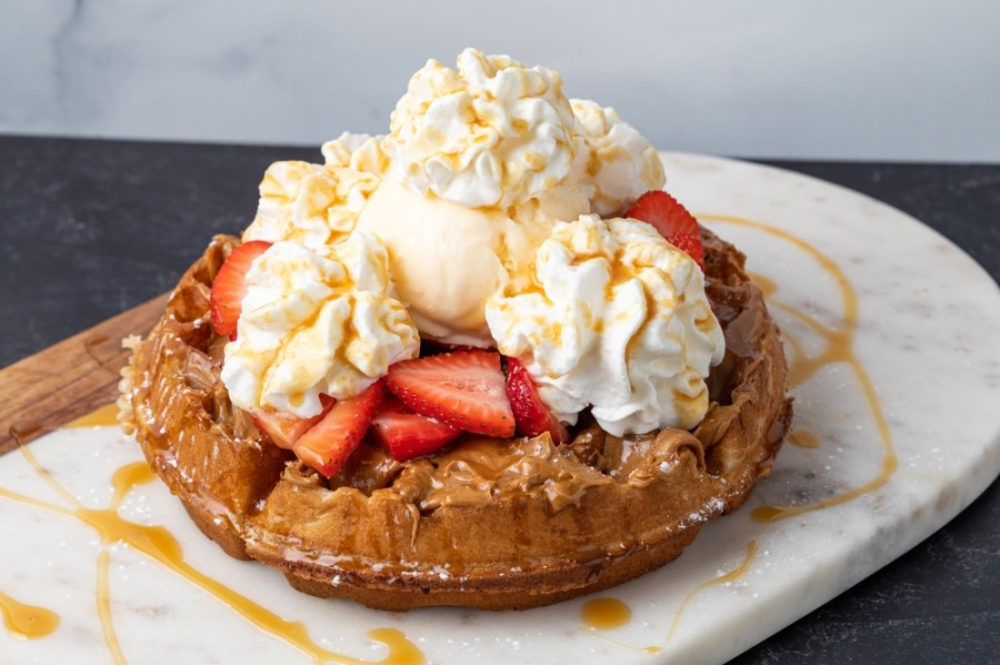 In addition to milkshakes, Chill Milkshake and Waffle Bar offers a selection of dessert waffles such as the Strawberry Spectacular. (Courtesy Chill Milkshake and Waffle Bar)