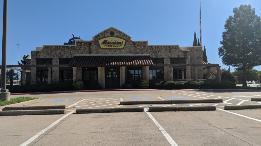 Romano's Macaroni Grill has closed its doors in Lewisville. (Community Impact staff)