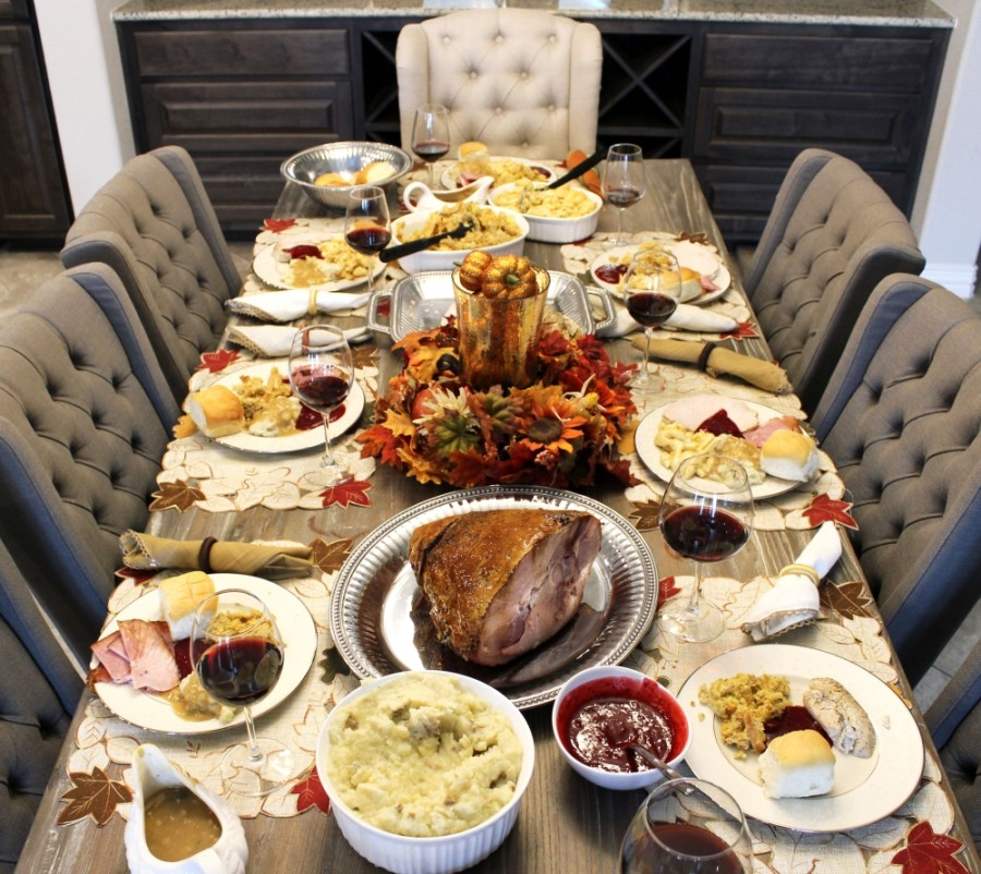 Texas Honey Ham Co. is offering meals to go for Thanksgiving. (Courtesy Texas Honey Ham Co.)