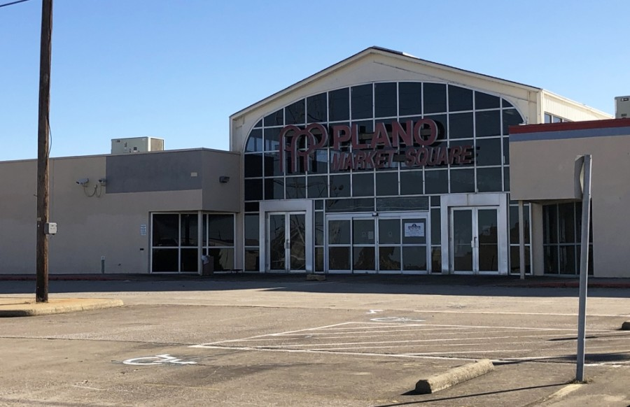 Plano Market Square Mall was built in the 1980s and later operated as an outlet mall. The building is now largely unoccupied. (Community Impact Staff)