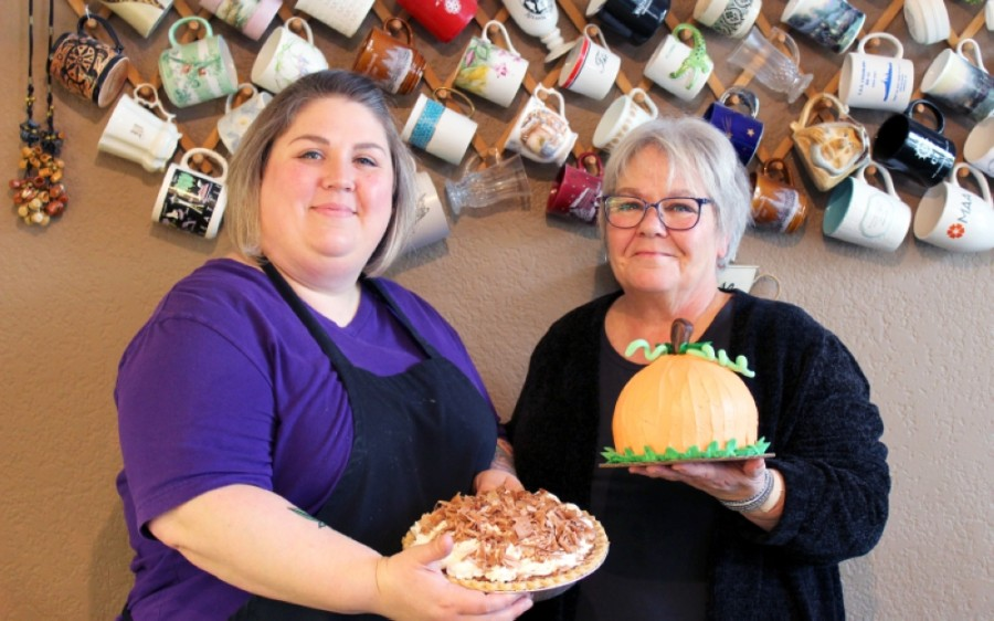 Kim Chabot (right) runs Mugs Cafe and Bakery alongside her daughter, Laney. (Photos by Sandra Sadek/Community Impact Newspaper)
