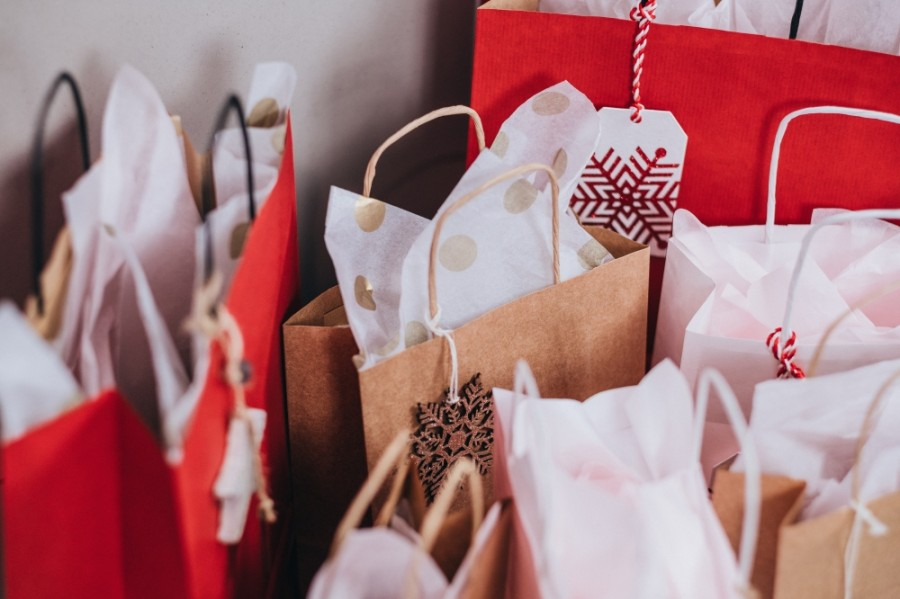 Several local markets offer ways to support small businesses and artisans this holiday season. (Courtesy Pexels)