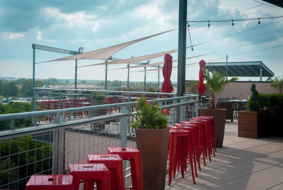 Urban Rooftop features rooftop live music Wednesdays through Saturdays along with weekend brunch. (Courtesy Urban Rooftop)