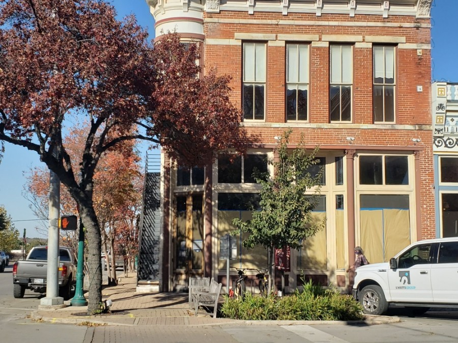 A new restaurant is coming to the Georgetown Square. (Ali Linan/Community Impact Newspaper)