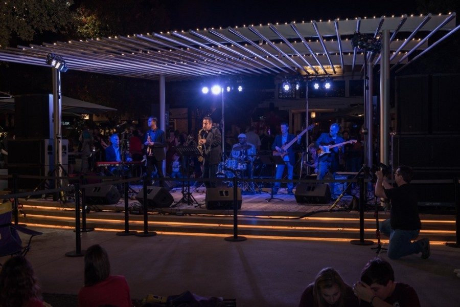 The David Caceres Band will perform at Market Street in The Woodlands on Dec. 22. (Courtesy Market Street)
