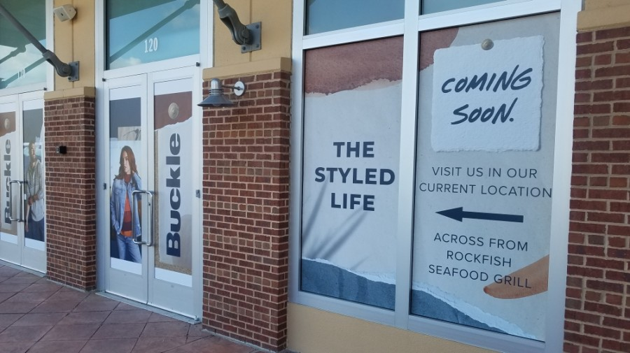 Buckle relocated its store in November to another suite within the same Highland Village shopping center. (Jason Lindsay/Community Impact Newspaper)