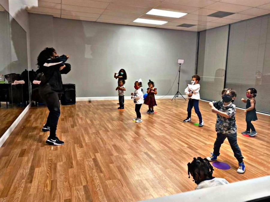 iDanz Performing Arts Studio offers dance lessons in various styles, such as hip-hop, jazz, tap, ballet, Afro-fusion and more. (Courtesy iDanz Performing Arts Studio)